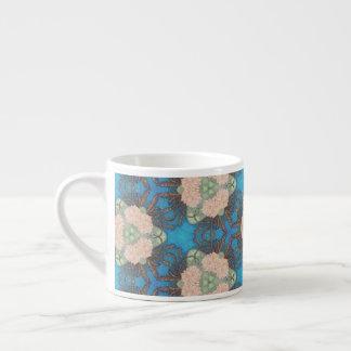 Orientalisches Blütenmuster mit Espressotasse
