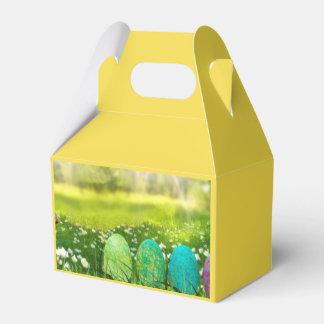 Ostereier in den Frühlings-Grüntönen und den Blues Geschenkschachtel