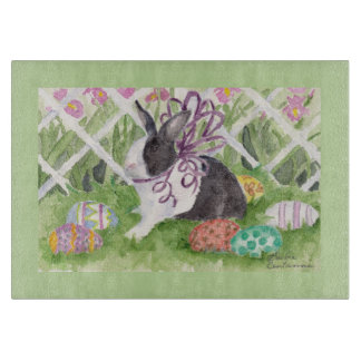 Ostern-Kaninchen und Ei-Schneidebrett Schneidebrett