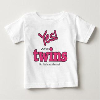 Oui ! Nous sommes des jumeaux (non. Nous ne sommes T-shirt Pour Bébé