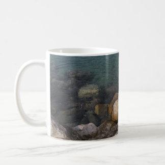 Ozean-Felsen in Jamaika-Tasse Kaffeetasse