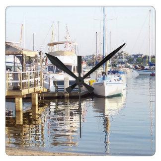 Ozean-Segeln-Segelboot-Boots-Hafen-Seejachthafen Quadratische Wanduhr