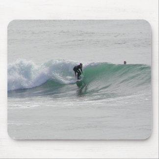 Ozean-Wellen, die Surfer surfen Mousepad