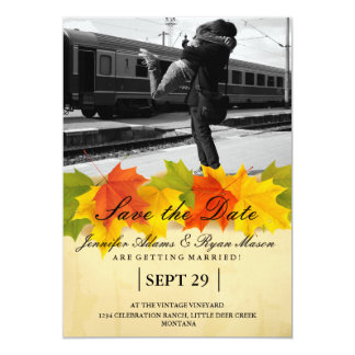 Paare, die am Bahnstation-/Fallthema umarmen 12,7 X 17,8 Cm Einladungskarte