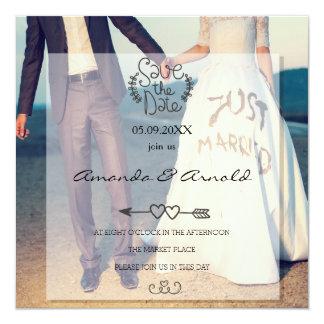 Paare, die Save the Date HandFoto-Karten halten Quadratische 13,3 Cm Einladungskarte