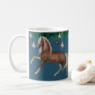Palomino-Pferd auf blauer Tasse
