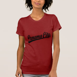 Panama-Stadt im Schwarzen T-Shirt