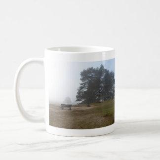 Panoramische Heide in der Nebel-Tasse Kaffeetasse