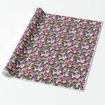 Papier d'emballage de pensée de fleurs pourpres de papier cadeau