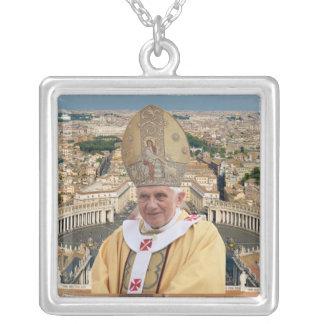Papst Benedikt XVI. mit der Vatikanstadt Halskette Mit Quadratischem Anhänger