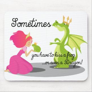 Parfois vous le besoin d'embrasser une grenouille tapis de souris
