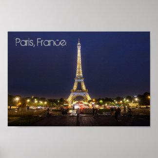 Paris-Eiffelturm-Nacht beleuchtet Plakat