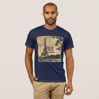 Paris rêvant le T-shirt américain d'habillement
