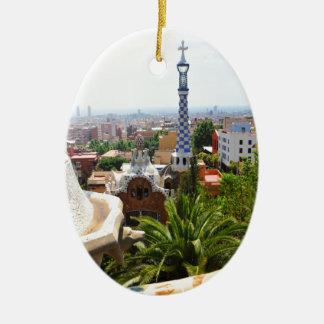 Park Guell in Barcelona, Spanien Ovales Keramik Ornament