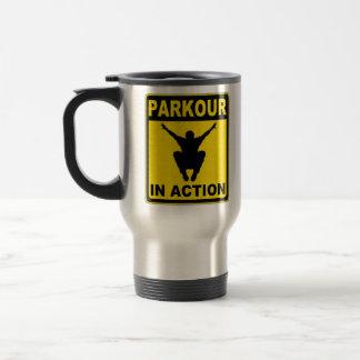 Parkour im Aktions-Schild Reisebecher