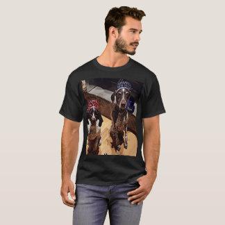 Party des Sylvesterabends verfolgt grundlegenden T-Shirt
