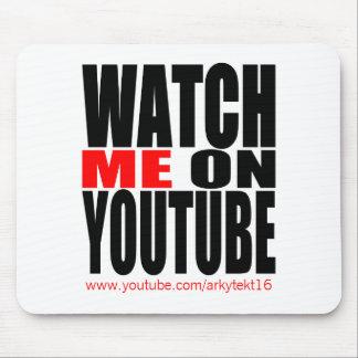 Passen Sie mich auf YouTube auf (modern) Mousepads