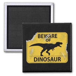 Passen Sie vom Dinosaurier auf (beschädigt) Quadratischer Magnet
