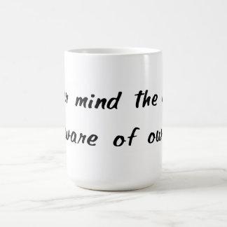 Passen Sie von der Inhaber-Tasse auf Tasse