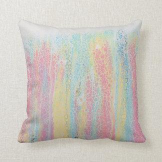 Pastellregenbogen-Rosa-blaues gelbes weißes buntes Kissen