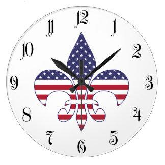 Patriotische amerikanische Flaggen-Lilie Große Wanduhr
