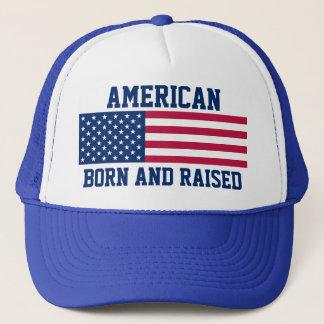 Patriotische amerikanische geborene und angehobene truckerkappe