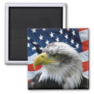 Patriotische Weißkopfseeadler-amerikanische Flagge Quadratischer Magnet
