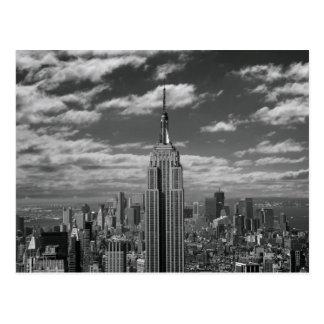 Paysage noir et blanc d'horizon de New York City Carte Postale