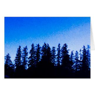 Pazifische Nordwestbäume in der blauen leeren Karte