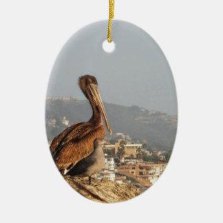 Pelikan im Laguna Beach Ovales Keramik Ornament