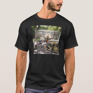 Pelikane #2 T-Shirt