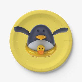 Penguin mit ein Gummi-Enten-Papier-Teller Pappteller