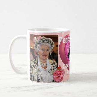 Perliges Königin-Cockney-Volksgeschichte stellt Kaffeetasse