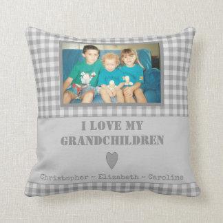 Personalisierte graue Gingham Foto-Großeltern Zierkissen