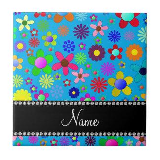 Personalisierte Namensbunte retro Blumen des Kleine Quadratische Fliese