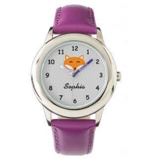 Personalisierte niedliche lila Mädchennamensuhr Uhren