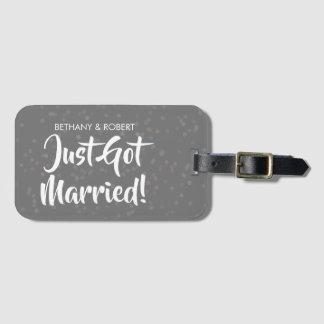 Personalisierter gerade erhaltener verheirateter gepäckanhänger