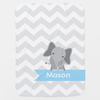 Personalisierter grauer blauer Zickzack Elefant Kinderwagendecke