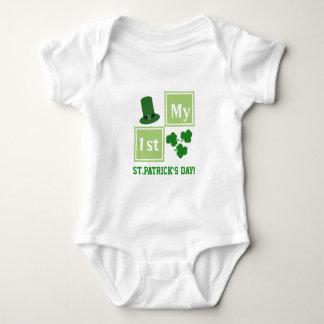 Personalisierter St Patrick Baby Strampler