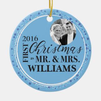 Personalisiertes erstes Weihnachten für Rundes Keramik Ornament