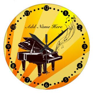 Personalisiertes großartiges Klavier merkt Gelb Wanduhren
