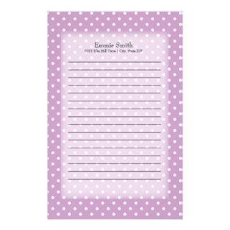 Personalisiertes Lila mit weißen Polka-Punkten Briefpapier