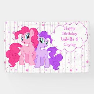Personalisiertes lila u. rosa Pony paart Banner