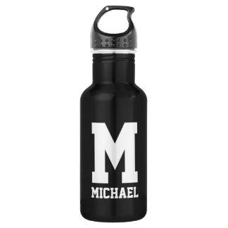 Personalisiertes Monogrammgeschenk trägt Trinkflasche