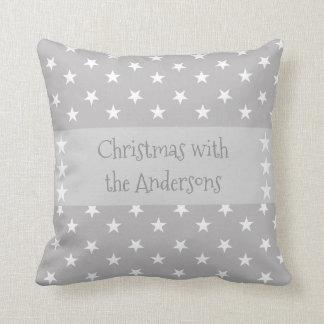 Personalisiertes Weihnachten hat Grau in der Kissen