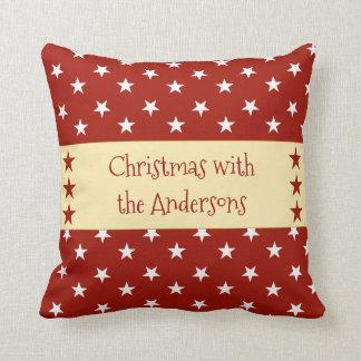 Personalisiertes Weihnachten hat Rot in der Kissen