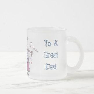 Persönliche der Vatertags-Tasse Matte Glastasse