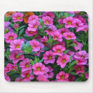 Pétunias assez roses tapis de souris