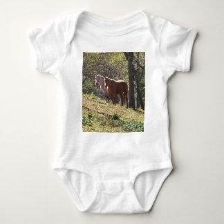 Pferde auf dem Bauernhof Baby Strampler