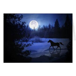 Pferdeweihnachtskarte, die durch den Schnee stürzt Karte